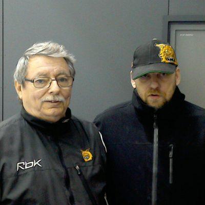 Ilveksen GM Jorma Viitanen sekä Marko Isomustajärvi naisten avausturnauksessa